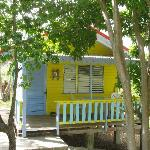 yellow cottage eingang und veranda