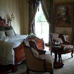 Green Mansion Bed & Breakfast
