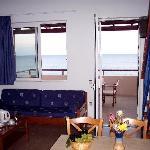 2-4 person sea view apartment (upper level)