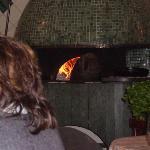 Particolare del forno all'interno del locale