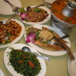 thai food that is the restaurant specialty
