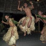 Fiji Night - local dancers