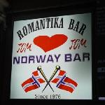 The bar to go to good for older people and football fanatics)