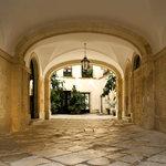 il cortile di Palazzo Bernardini