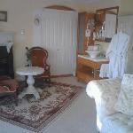 Gorgeous Room 4