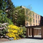 UBC Pacific Spirit Hostel Exterior