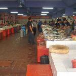ラブアンの魚市場 必見