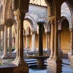 IL CHIOSTRO DI MONREALE  Corner of cloister with Arab fountain visible