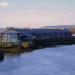 Coos Bay's only riverfront hotel
