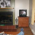 TV & Fireplace