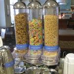 Breakfast area: choice of 3 cereals