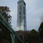 上池横から見上げるスカイタワー