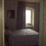 camera Dante Alighieri vista dal corridoio
