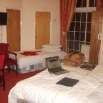 Leeson Bridge Guesthouse Photo