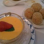 Mango custard and sesame balls with red bean paste