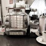 Johnny Rockets, American Diner a la 50s style.