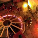 Vista superior del cenador interior de la cafetería