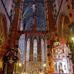 Inside St. Mary's Basilica (Kosciol Mariacki)