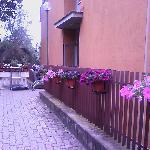Entrada lateral de Casa Tra Noi