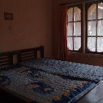 Catimore Homestay: I took pics of the average priced rooms