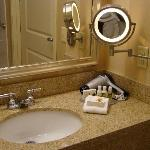 nice bathroom with bath & body works amenities