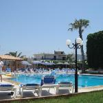 Photo de Atlantis Beach Hotel