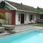 Silver villa opens up onto a private garden