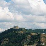 山上のヨロス城