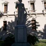 estatua de la Casa De Gobierno IV