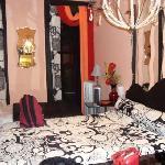 La camera con gli arredi bellissimi!