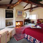 Fireplace Room 35