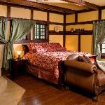 Deluxe Oak Suite - Corner Jacuzzi for 2, king sized bed, romantic fireplace and separate shower