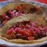 Tacos de cochinita asada