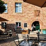 Biergarten mit historischem Ambiente