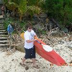 Carrying kayak to lagoon