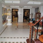 Typical overornamented thai lobby