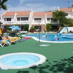 Pool side 1