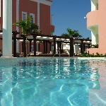 Royal Suites swim-up pool