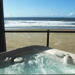 Oceanfront Hot Tub rooms!