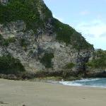 vista desde la playa hacia el area del tunel