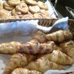 los croissant horneados al momento... deliciosos