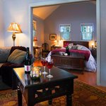 Barenton cabin, filled with art and antiques, our romantic cabin