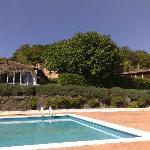 Vistas piscina, jardin y horreo