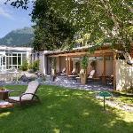 Relaxing garden with Pergola