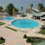 vista de la piscina desde la habitacion
