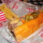 صورة فوتوغرافية لـ Portillo's Hot Dogs