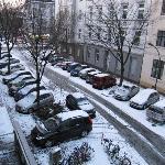 Blick auf die Strasse vom Hotelzimmer