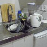 Vajilla sucia acumulada en la cocina