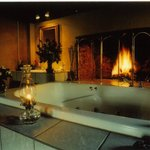 Fitzgerald Cottage Tub with wood burning fireplace