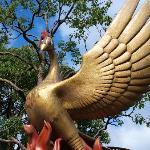 火の鳥のモニュメント